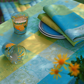 """Mille Alcees Narcisse Tablecloth 71""""x118"""", 100% Cotton"""