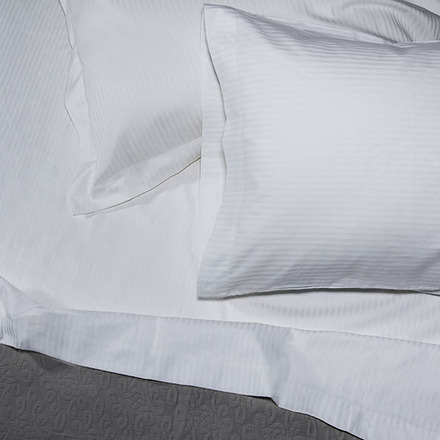 Bordeaux King Fitted Sheet picture