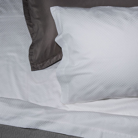 Normandie White 300TC Queen Sheet Set picture