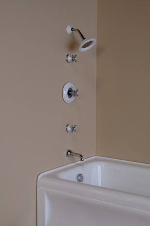 THERMOSTATIC TUB & SHOWER SET WITH PORCELAIN & CHROME TRIM picture