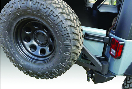 07-15 JEEP FULL SIZE REAR BUMPER WITH TIRE CARRIER picture