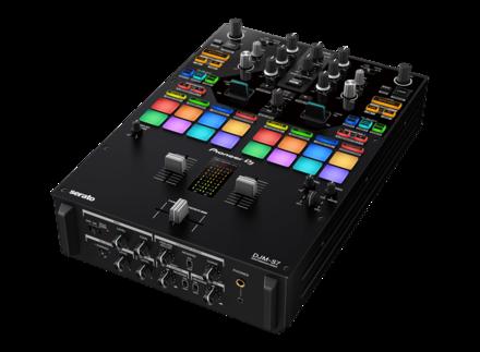 DJM-S7 SCRATCH-STYLE 2-CHANNEL PERFORMANCE DJ MIXER picture