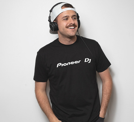 PIONEER DJ LOGO MENS T-SHIRT (L) picture