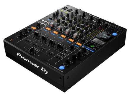 DJM-900NXS2 PROFESSIONAL DJ MIXER picture