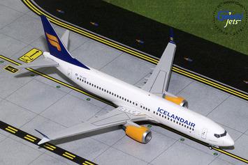 Gemini200 Icelandair Boeing 737 MAX 8 picture