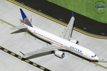 GeminiJets 1:400 United Airlines Boeing 737 MAX 9 picture