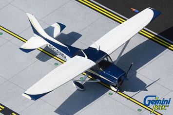 GeminiJets 1:72 Cessna 172 Skyhawk  N926MN picture