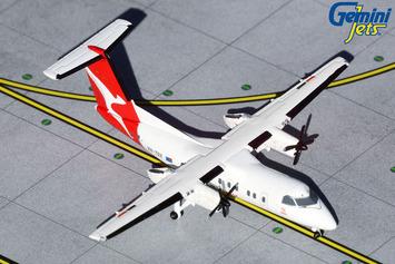 GeminiJets 1:400 QantasLink Dash 8-200 picture