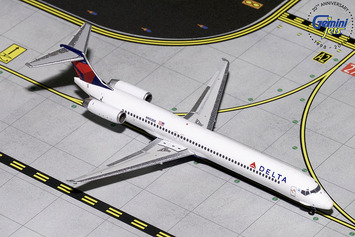 GeminiJets 1:400 Delta Air Lines MD-88 picture