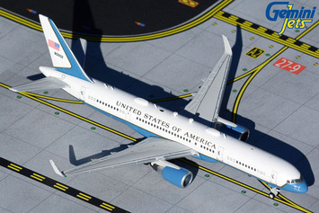 """GeminiJets 1:400 U.S. Air Force C-32A """"Air Force Two"""" picture"""