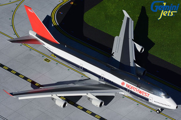 Gemini200 Northwest Airlines Boeing 747-400 (Flaps/Slats Extended) picture