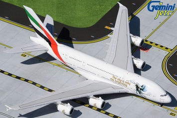 "GeminiJets 1:400 Emirates Airbus A380 ""UAE in Space"" picture"