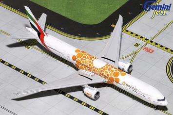"GeminiJets 1:400 Emirates Boeing 777-300ER ""Orange Expo 2020"" picture"