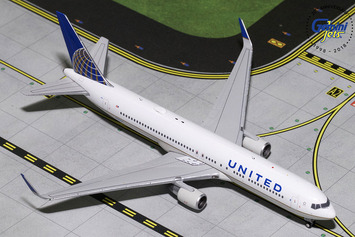 GeminiJets 1:400 United Airlines Boeing 767-300ER picture