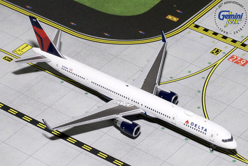 GeminiJets 1:400 Delta Air Lines Boeing 757-300 picture