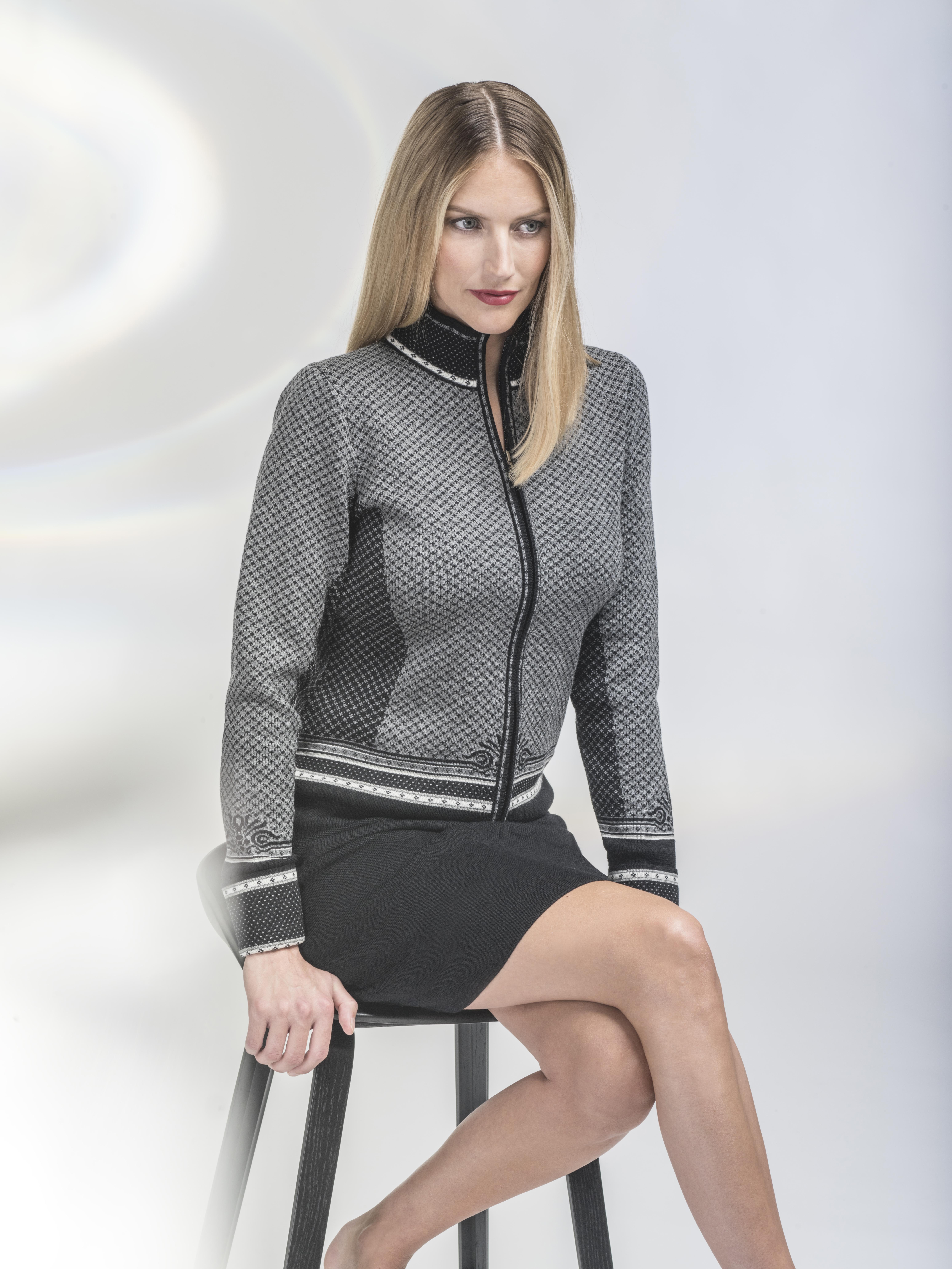 Viktoria Feminine Jacket (1)