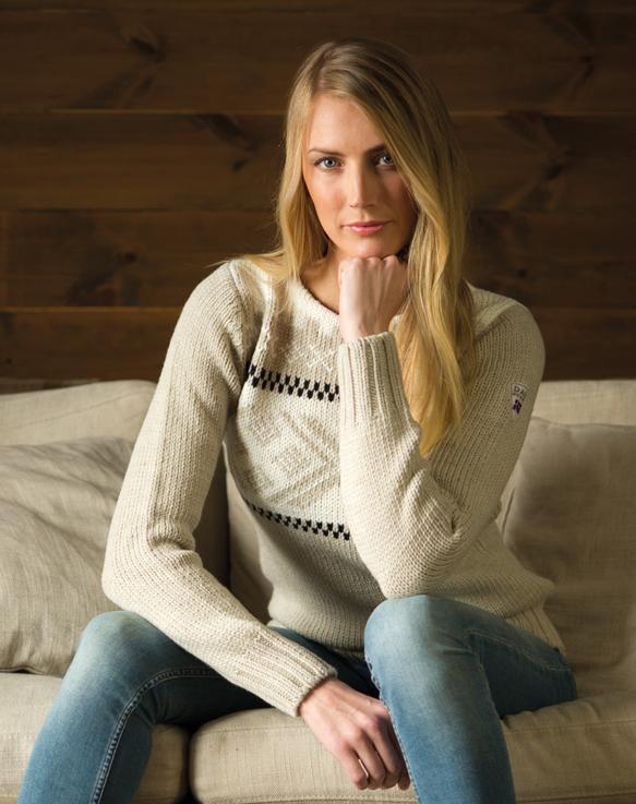 Voss Feminine Sweater (2)