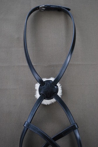 RED BARN FLAT FIGURE 8 NOSEBAND picture