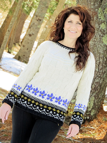 2256 Winter Pansies Pullover picture